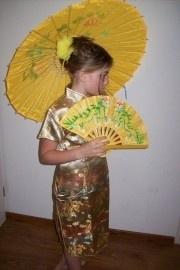 Prachtig gouden Chinees jurkje maat 158/164