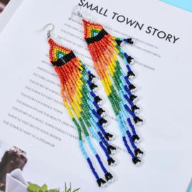 Prachtige Bohemian oorbellen kleine kraaltjes rainbow 14 cm