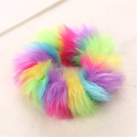 Multicolor  fluffy regenboog scrunchie!