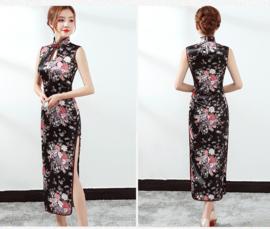 Prachtige lange mouwloze Chinese jurk zwart met bloemen