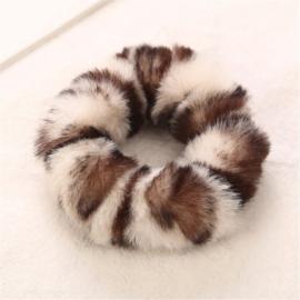 Animal scrunchie wit/bruin