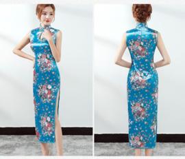Prachtige lange mouwloze Chinese jurk turquoise met bloemen