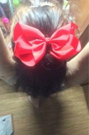 Mooie grote hairbow op clip rood