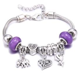 Mooi Pandorastyle armbandje met roosje, hartje, olifantje en paarse sparklekralen