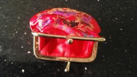 Leuk klein brokaat portemoneetje rood met gekleurde bloesem