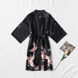 Mooie dameskimono met kraanvogels diepzwart