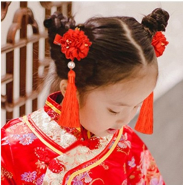 Superleuk setje èchte chinese haarclips met rode bloem en kwastje