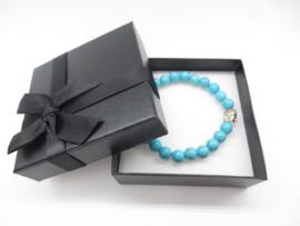 Prachtige armband van geslepen 8 mm Turkoois kralen en Boeddha in geschenkdoosje