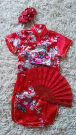 Erg leuk rood Chinees jurkje