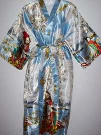 Fantastische lange lichtblauwe dameskimono met Geisha