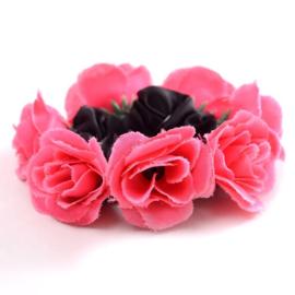 Scrunchie met roosjes fuchsia