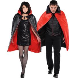Mooie satijnen zwart/rode Dracula cape, tweezijdig te dragen!