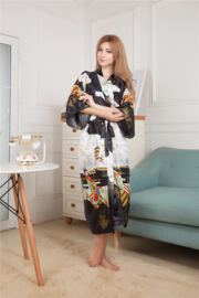 Fantastische lange zwarte dameskimono met Geisha