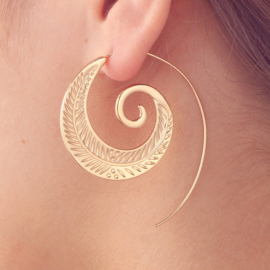 Tribal oorsteker veer goud