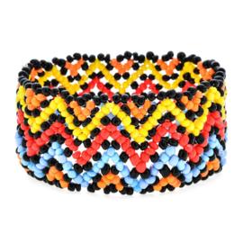 Leuke Bohemian elastische armband van kleine kraaltjes zigzag groot