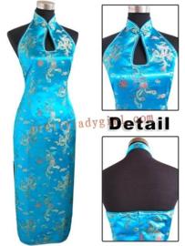 Elegante lange turquoise halterjurk met blote rug