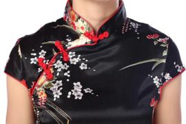 Bijzonder mooi chinees jurkje zwart met rode chinese knoopjes en bloemenprint t/m maat 40