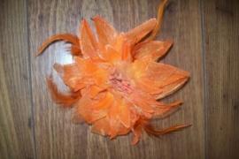 Prachtige grote haarbloem met glitters en veertjes oranje