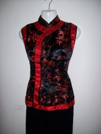 Bijzonder mooie Chinese asymmetrische zwart/rode top bamboe/pruimenbloesem motief