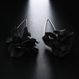 Superleuke lange bloemoorbellen zwart