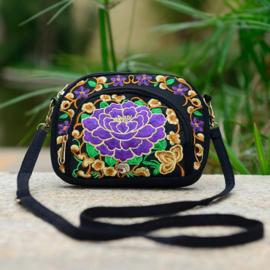 Prachtig 3-vaks aan beide zijden geborduurd schoudertasje met paarse lotusbloem