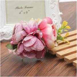 Prachtige romantische haarkam met paarsroze bloemen