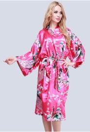 Prachtige dameskimono met pauwen fuchsia