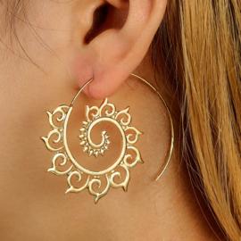 Tribal oorsteker ornament goud
