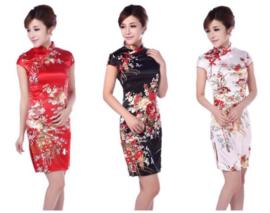 Bijzonder mooi chinees jurkje wit met rode chinese knoopjes en bloemenprint t/m maat 40