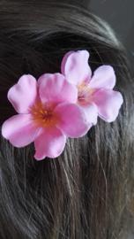 Haarspeld met roze Japanse sierkers bloesem