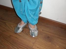 Prachtige zilveren ballerina`s met rinkelende muntjes!