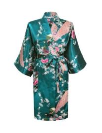 Prachtige dameskimono met pauwen groen