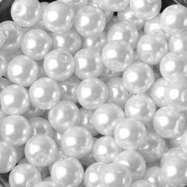 Tussenkraal kleine witte parel 10 stuks 4 mm