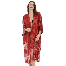 Mooie dameskimono met kraanvogels wijnrood