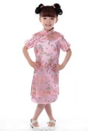 Prachtig lichtroze Chinees jurkje