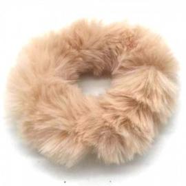 Crème fluffy scrunchie!