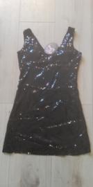 Fantastisch zwart glitterpailletten jurkje alleen nog  36/38 en 38/40