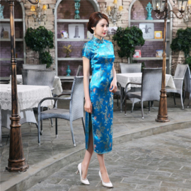 Elegante lange turquoise Chinese jurk met draken en phoenix motief