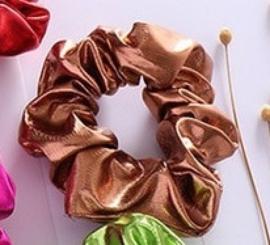 Bronzen glans scrunchie!