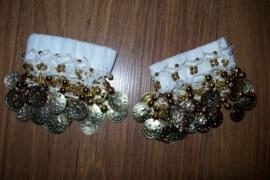 Setje polsbandjes wit met gouden muntjes