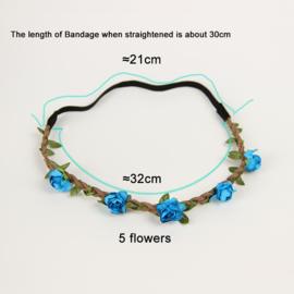 Leuke elastieken haarband met blauwe roosjes