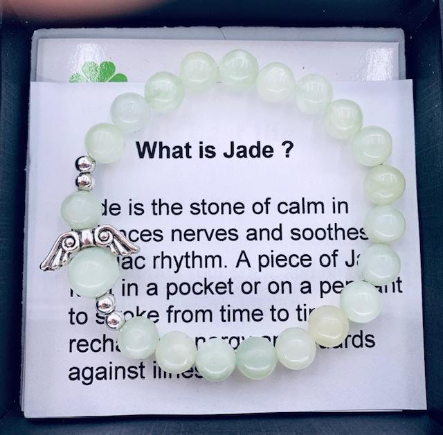 Prachtige armband van geslepen 8 mm Jade  kralen en Beschermengeltje