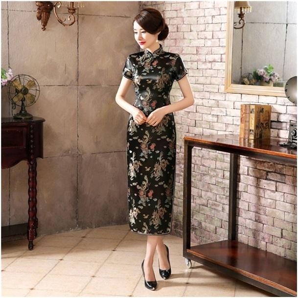 Fantastische lange zwarte Chinese jurk met draken en phoenix motief t/m maat 48!