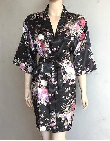 Prachtige dameskimono met bloemenprint zwart