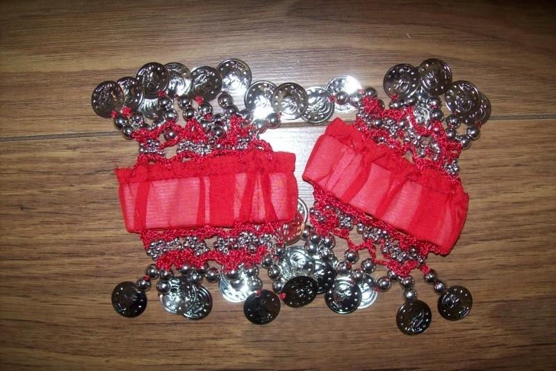 Setje polsbandjes rood met zilveren muntjes