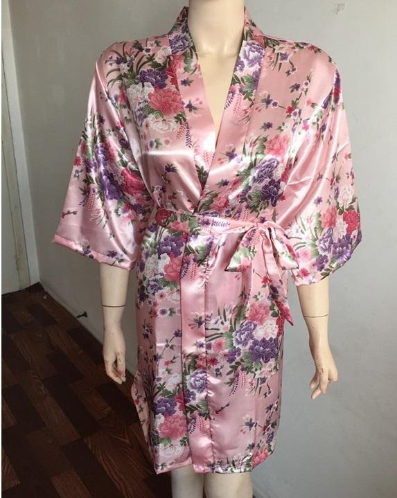 Prachtige dameskimono met bloemenprint roze