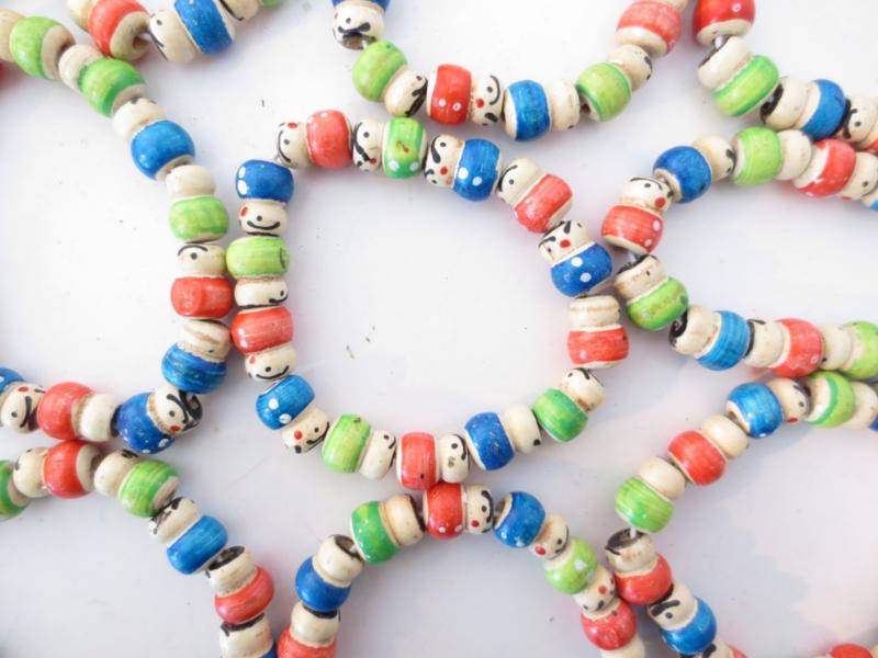 Superleuk elastisch armbandje met allemaal gelukspoppetjes!!!