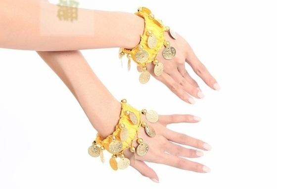 Setje polsbandjes geel met gouden muntjes