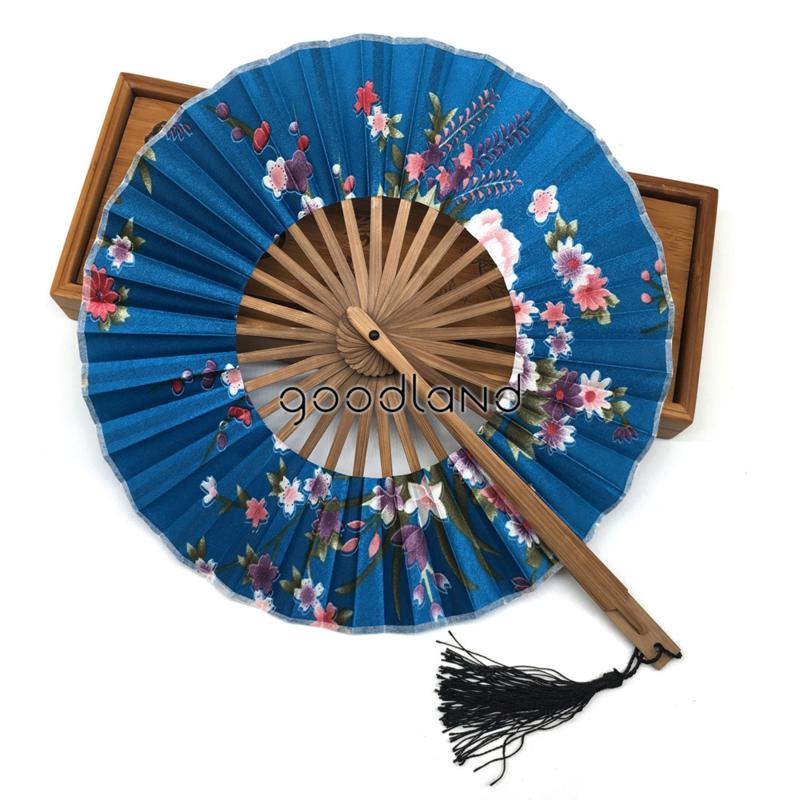 Prachtige turqouise ronde waaier met klosje