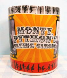 Monty Pyton's Flying Circus aardewerk beker